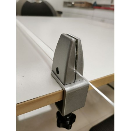 Table cross Sneeze guard clamp brackets